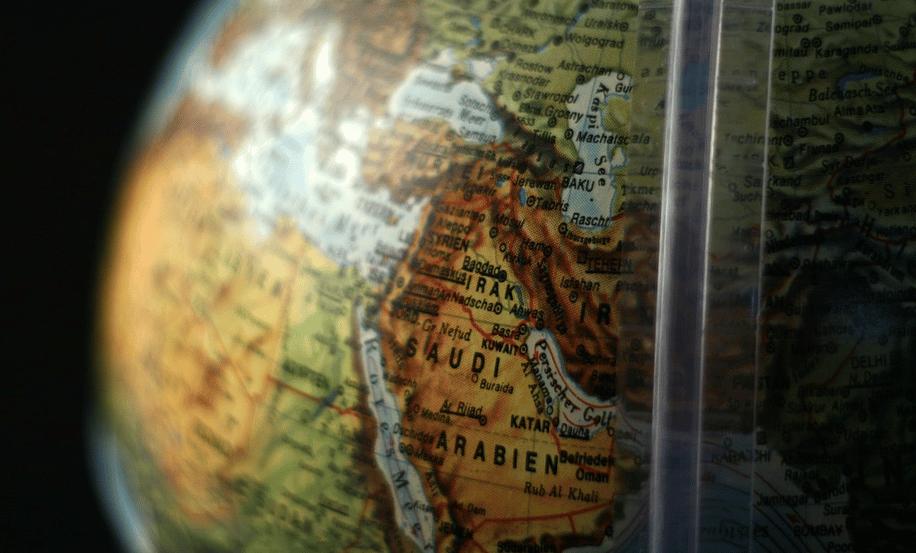 Puis-je voyager en Europe avec une carte d'identité périmée ?
